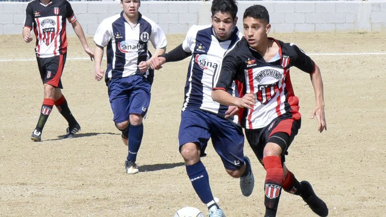 Florentino Ameghino le ganó a Ferro y volvió a la punta del campeonato donde también manda Huracán.