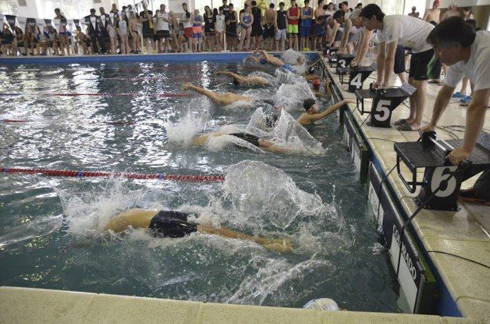 El torneo Patagónico de natación fue todo un éxito en la pileta del complejo Huergo.