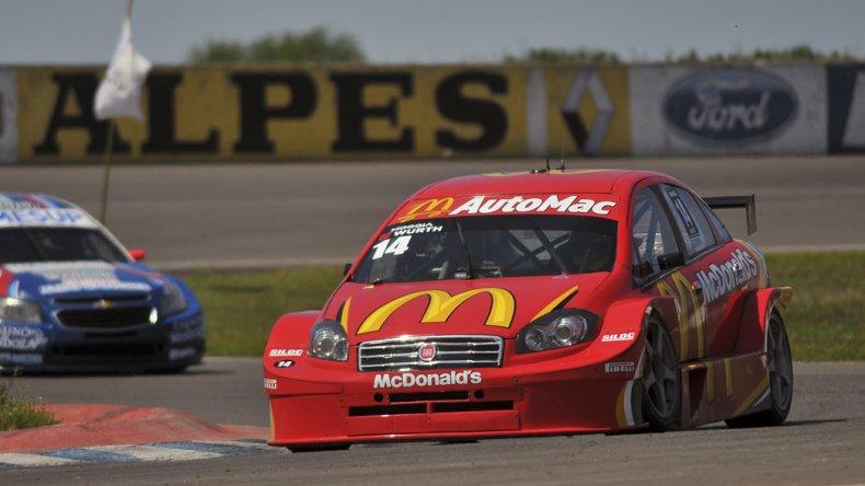 El Fiat Línea del piloto Martín Moggia que ayer se impuso en la novena fecha del TC2000.