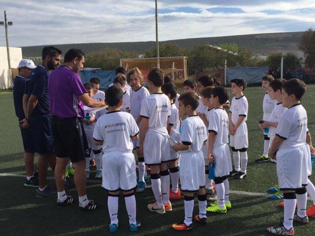 Comenzó la clínica del Real Madrid en Rada Tilly