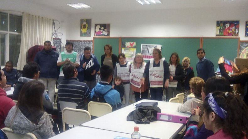 Los alumnos del colegio 755 realizaron un proyecto para difundir información sobre la donación de órganos para trasplante.