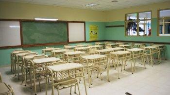 docentes de santa cruz comenzaron paro por tiempo indeterminado