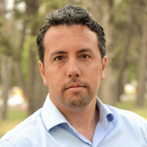 El escritor y docente Maxwel G. Leites será el encargado de brindar la charla abierta titulada Alcanzando tus sueños.