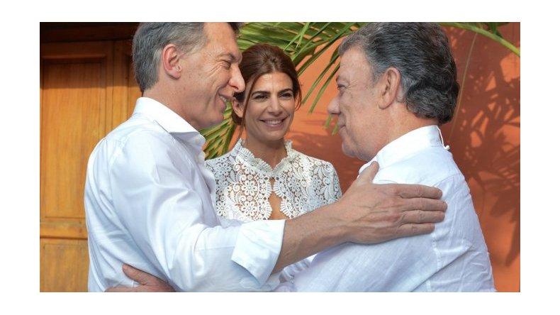 Uribe criticó a Macri por apoyar el acuerdo con las FARC