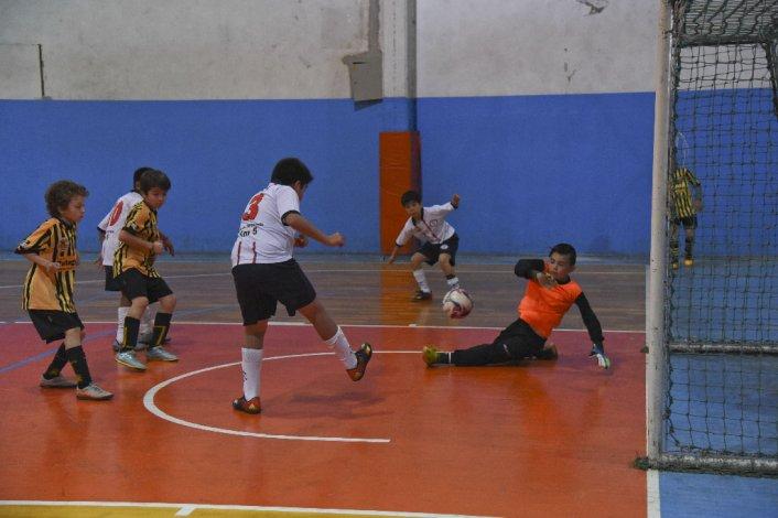 Los chicos disfrutaron de otro fin de semana a puro futsal en la CAI.