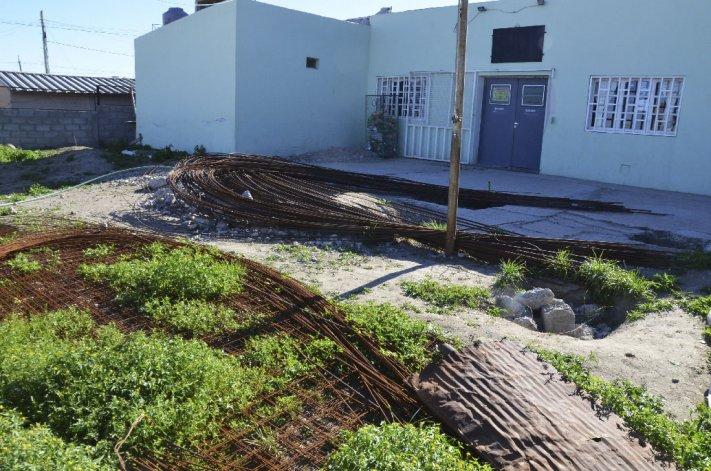 La asociación vecinal del barrio San isidro Labrador fue una de las perjudicadas con obras inconclusas.
