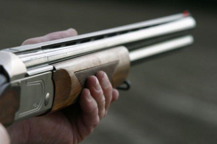 Fracción 14: lo sorprendieron con una escopeta y apuntó a los policías