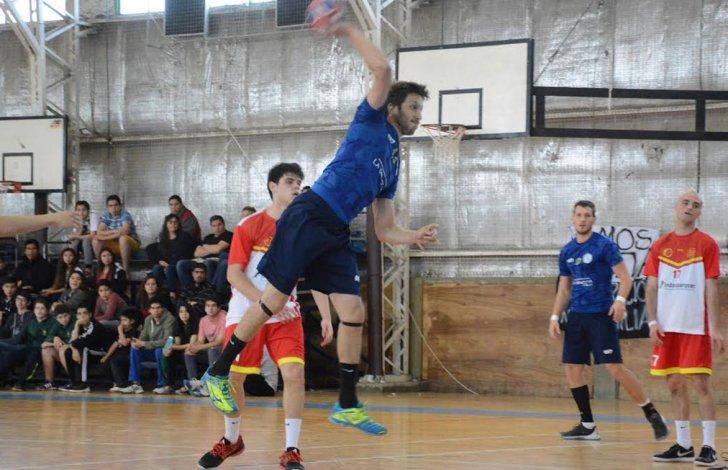 Universidad Nacional de Luján goleó 49-21 a Belgrano de San Nicolás en la rama masculina.
