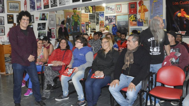 Diego Boris brindó una charla en el Centro Cultural destinada a músicos de Caleta Olivia.
