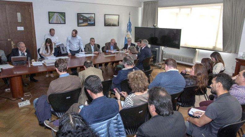 Muelle Storni: Das Neves y Dietrich encabezaron la licitación en Buenos Aires