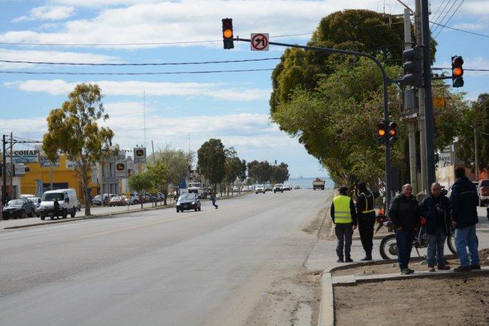 Ya funcionan los nuevos semáforos en el barrio Industrial