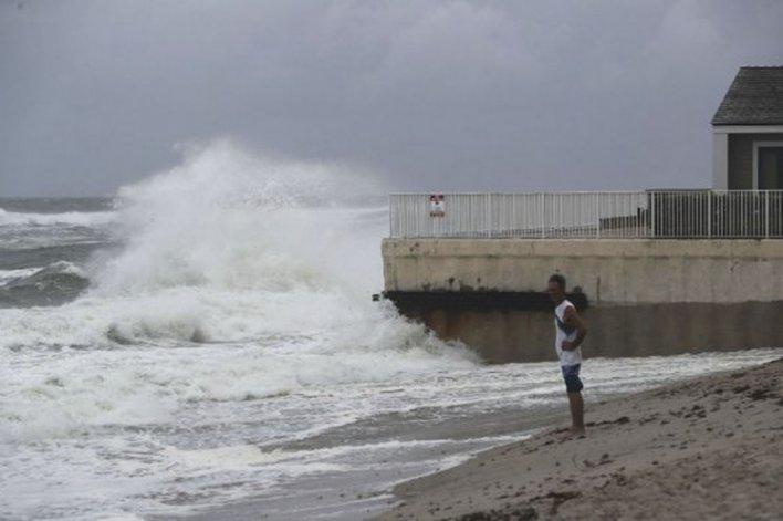 Se esperan cuantiosos daños en la costa estadounidense.