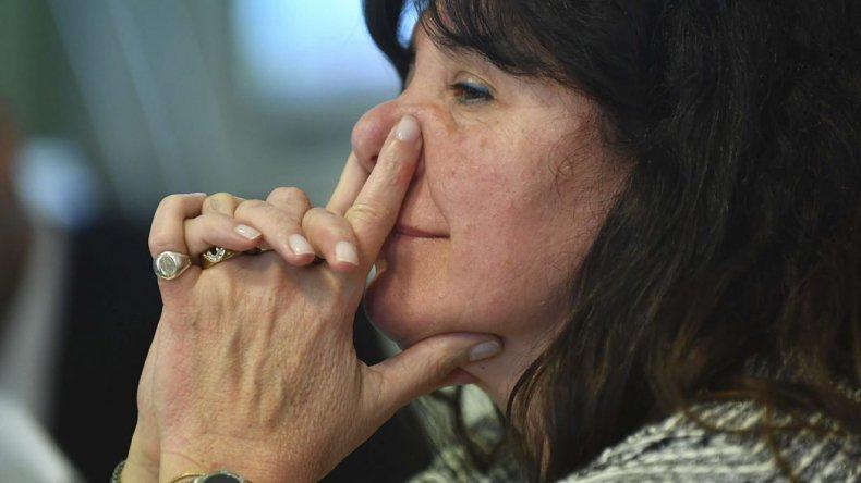 La diputada Dufour consideró que el Gobierno la persigue para tapar la causa de prostitución infantil donde hay dos funcionarios implicados.