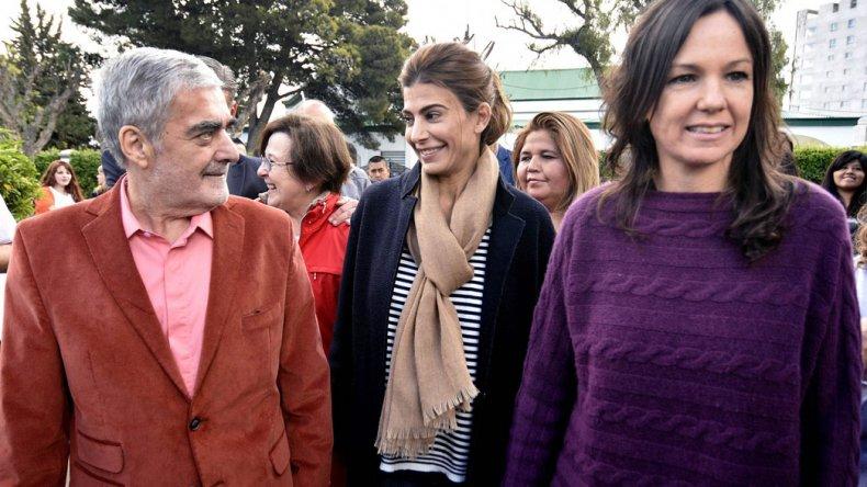 El gobernador Mario Das Neves se mostró ayer en Rawson junto a la ministro Carolina Stanley y a Juliana Awada.