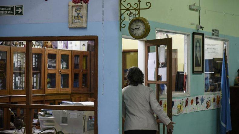 Los delincuentes armados ingresaron al colegio luego de que se retiraran todos los alumnos del turno tarde.