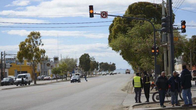 Los nuevos semáforos en el barrio Industrial contribuirán a reordenar el tránsito.