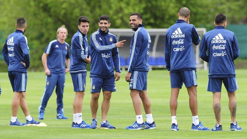 La selección argentina trabajó ayer en Ezeiza ya pensando en su próximo compromiso que sostendrá el martes como local ante Paraguay.
