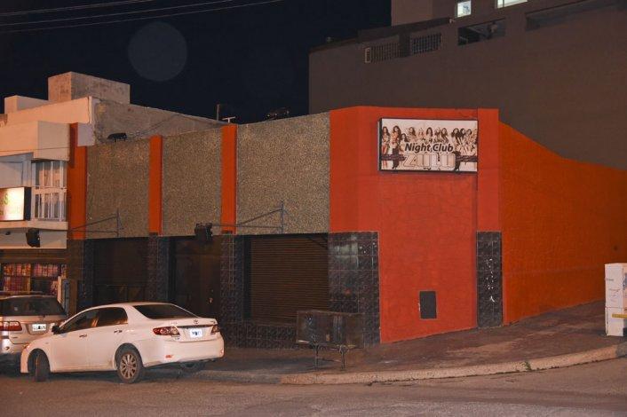 La administradora del salón nocturno habría aprovechado la actividad de copas para ampliar su oferta.