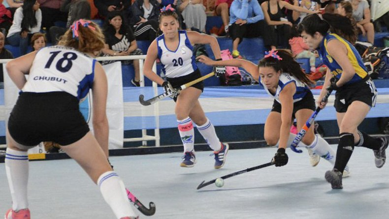 El hóckey pista argentino vivió un domingo de definición en Caleta Olivia.