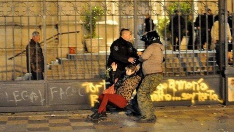 El encuentro Nacional de Mujeres culminó con represión y decenas de heridos