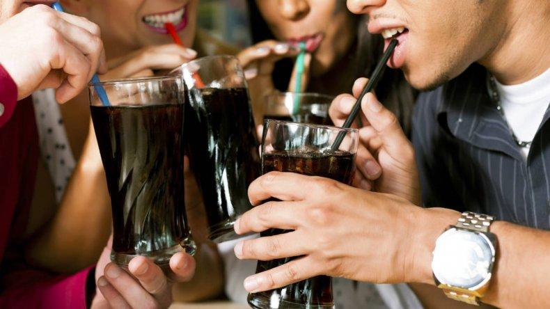 Coca-Cola y PepsiCo pagaron para minimizar su relación con la obesidad
