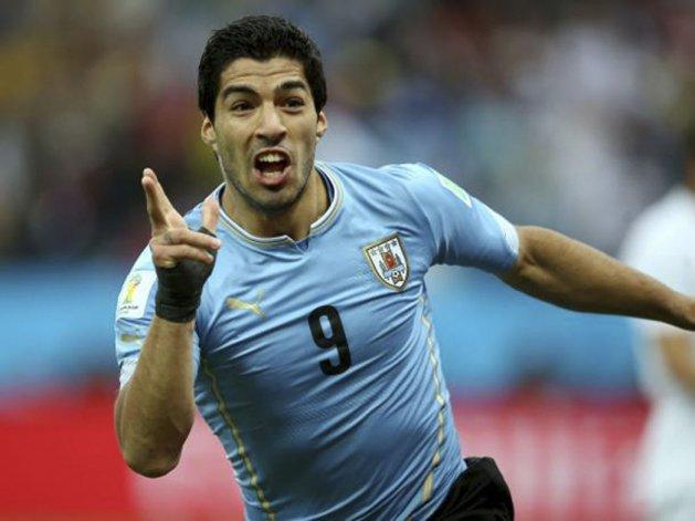 El goleador Luis Suárez acompañará en el ataque a Edinson Cavani.