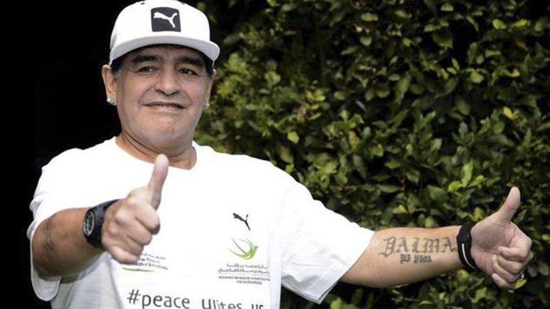 Diego Maradona ayer durante la presentación del Partido por la Paz.