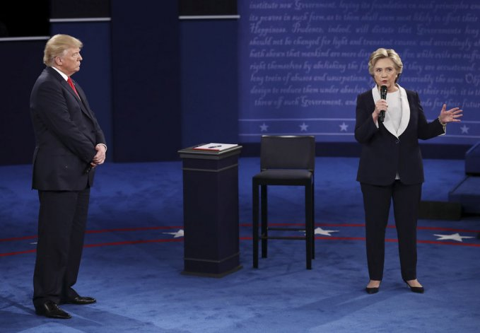 Clinton sigue sólida en su búsqueda de presidir EE.UU.