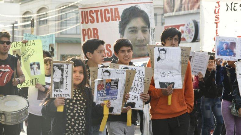 Niños y grandes se manifestaron en reclamo de justicia por víctimas de homicidio y desaparecidos.