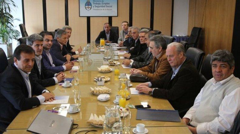 Comenzó la mesa de diálogo tripartito por el bono de fin de año