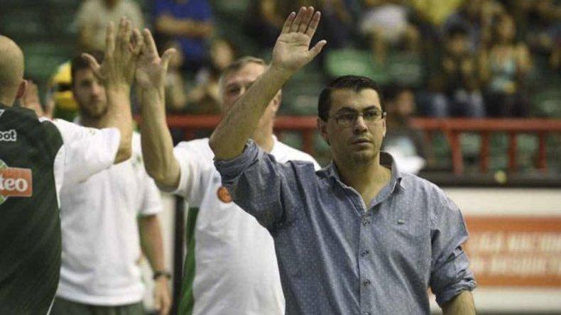 Gustavo Miravet vuelve a dirigir a Atenas de Córdoba en la Liga Nacional.