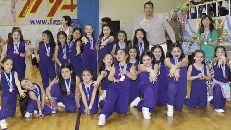 Niñas de Caleta Olivia participaron del Torneo Nacional de Aeróbica