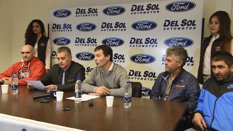 Pilotos y dirigentes dieron la vuelta previa en Del Sol Automotor.