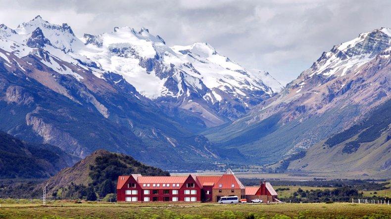 El Chaltén se encuentra al pie del Cerro Fitz Roy y tiene un restaurante gourmet y spa.