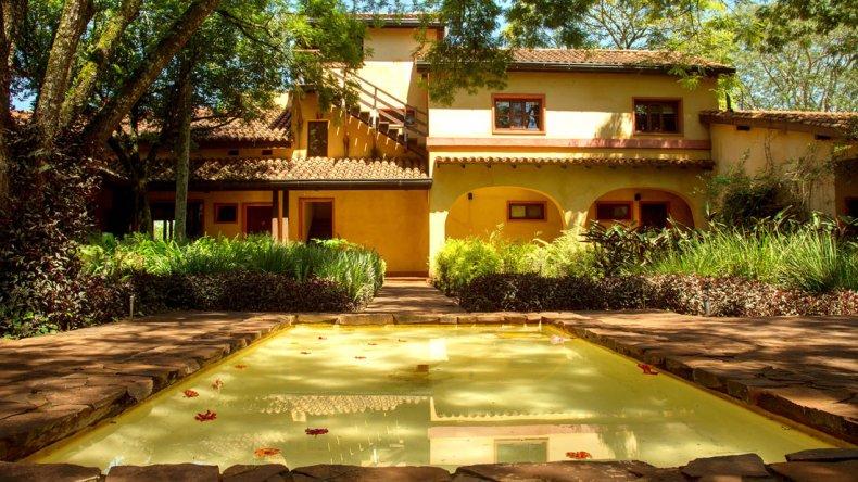 Don Puerto Bemberg Lodge está en Iguazú y es un hotel boutique de selva con servicio personalizado de 5 estrellas.