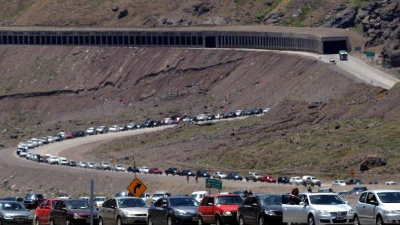 Murió de un paro mientras hacía fila en la frontera para entrar a Chile