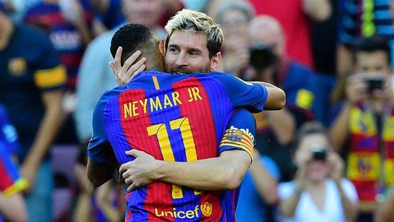 Messi volvió con todo, tardó sólo tres minutos en hacer un gol