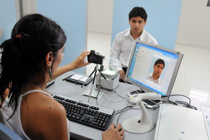 El DNI digital puede tramitarse en los centros de documentación rápida.