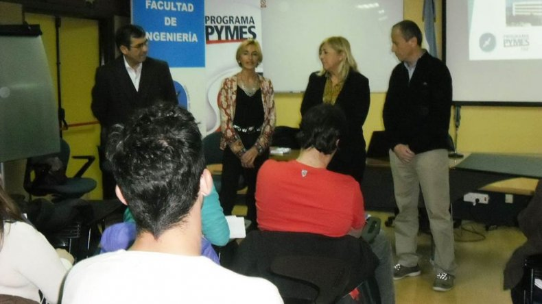 El seminario Mes de la Industria capacitó al personal de las pymes de Comodoro Rivadavia