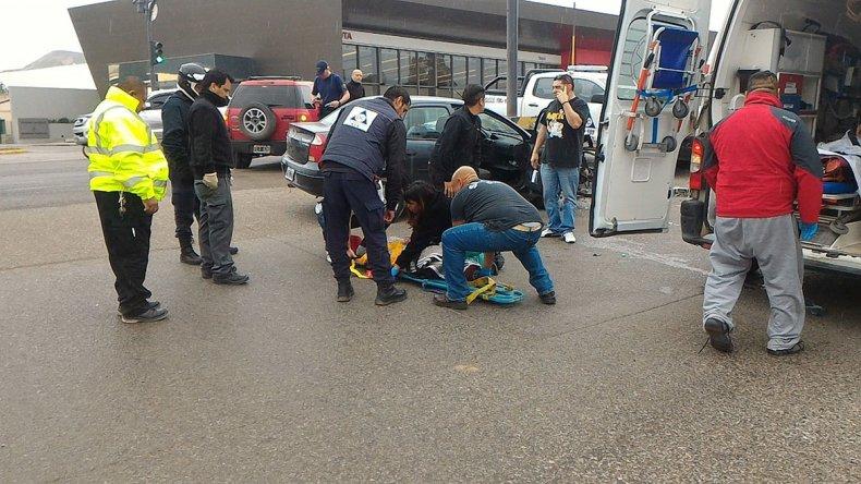 El traslado de los heridos al Hospital Regional.