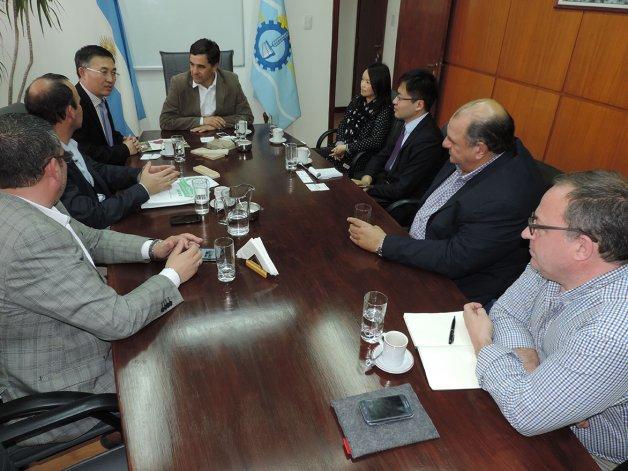 La delegación china visitó plantas pesqueras que tienen inversiones del gigante asiático.