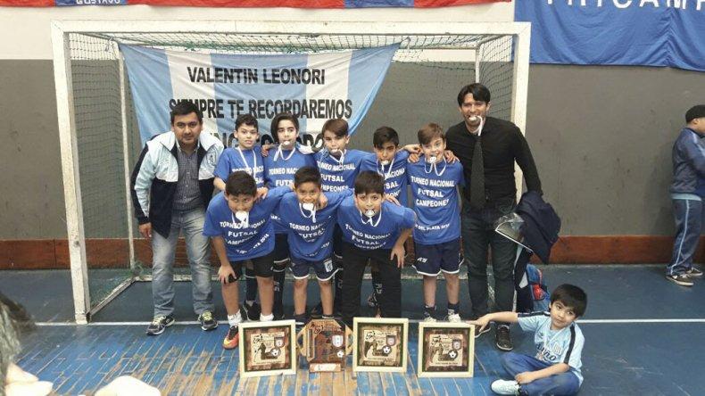 Los chicos de la Filial Racing Comodoro lograron un nuevo título
