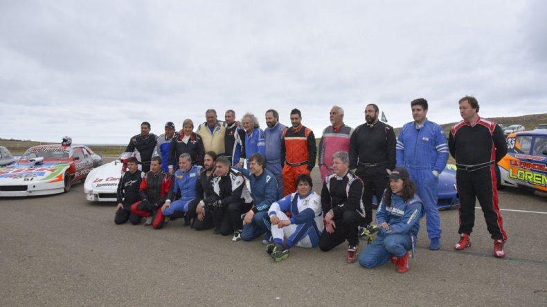Los pilotos del TC Austral posaron para la posteridad en la previa de su sexta fecha del año.