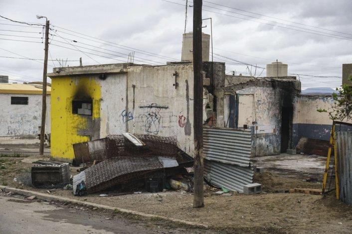 Una casa perteneciente al grupo de Los Nieves en el barrio San Martín que fue incendiada en medio de los incidentes.