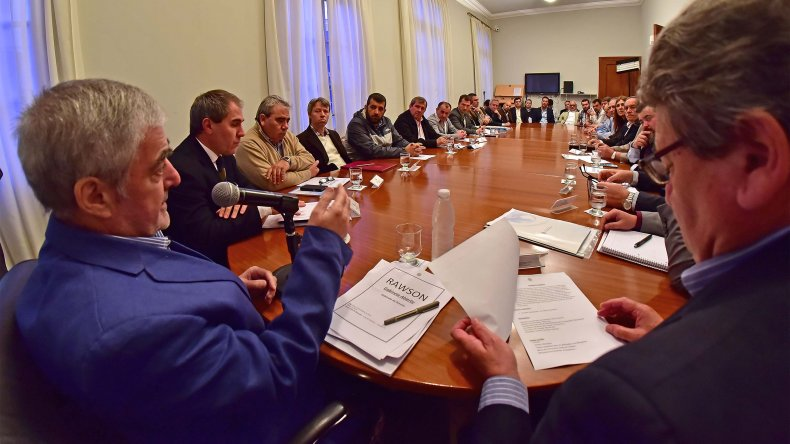 Das Neves presidió la primera reunión de Gabinete Abierto