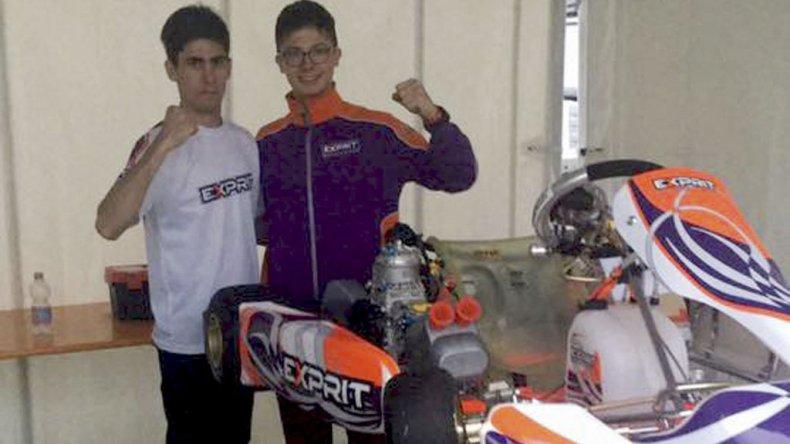 Franco Crivelli con Martín Visser en los boxes del circuito South Garda Karting.