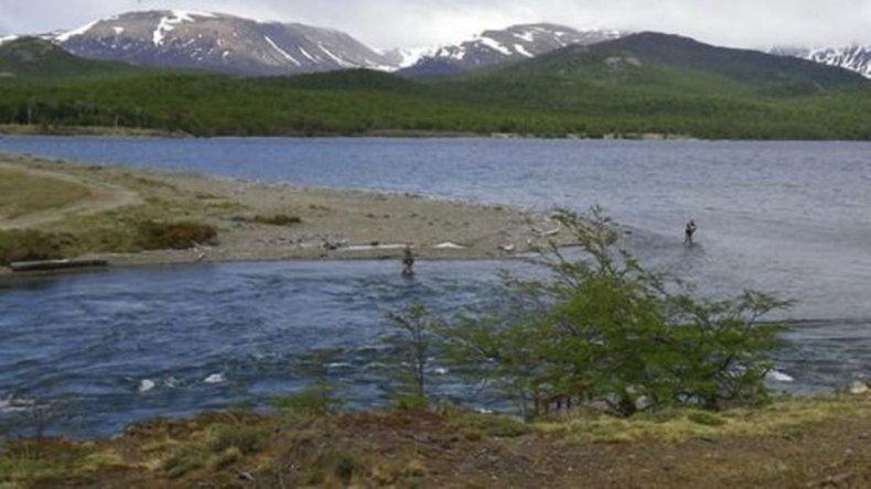 La Defensoría del Pueblo de la Nación inició una investigación sobre presunta contaminación del agua que proviene del lago Musters.