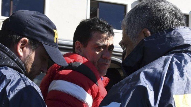 A media mañana se concretó el traslado de Juan Ramón Ernalz al Juzgado Federal de Caleta Olivia.
