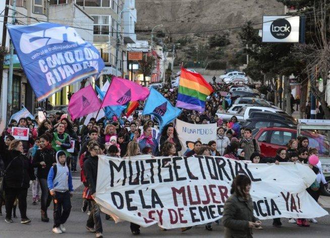 Cuatro gremios y las dos CTA confirmaron que paran mañana en contra de la violencia de género
