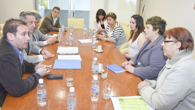 Las impulsoras de la iniciativa pudieron reunirse en la Legislatura con algunos diputados.